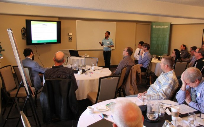 Engaging The Experts: Irrigation Research Team Hosts Workshop In